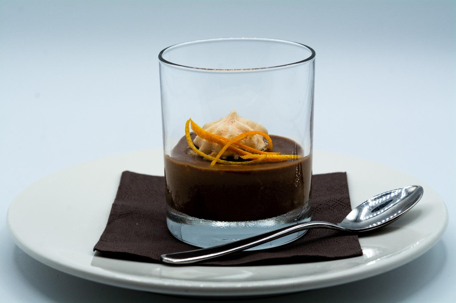 Mousse al cioccolato fondente e arancia